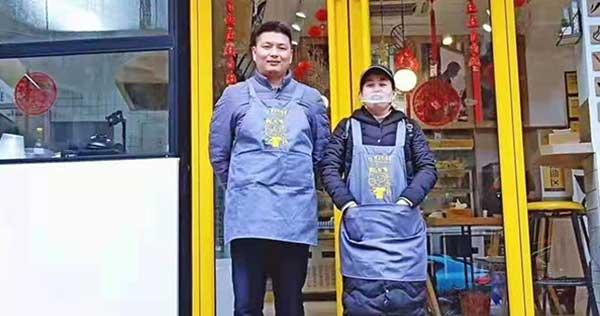 当他人徘徊犹豫时,吕姐第二家广西田林冒菜加盟店已敲定